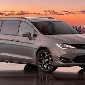Chrysler Pacifica reportedly getting updated design and eAWD system for 2021