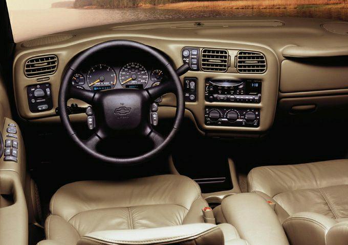2001 Chevrolet Blazer Trailblazer 4dr 4x2 Safety Features