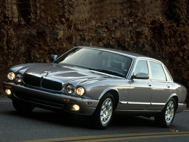 2002 jaguar xj8 review