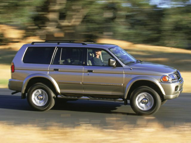 2002 Mitsubishi Montero Sport Exterior Photo