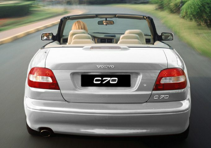 2004 Volvo C70 LT A CV 2dr Convertible Pictures