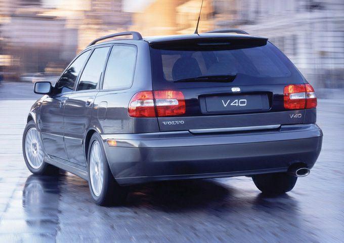 2004 Volvo V40 Information
