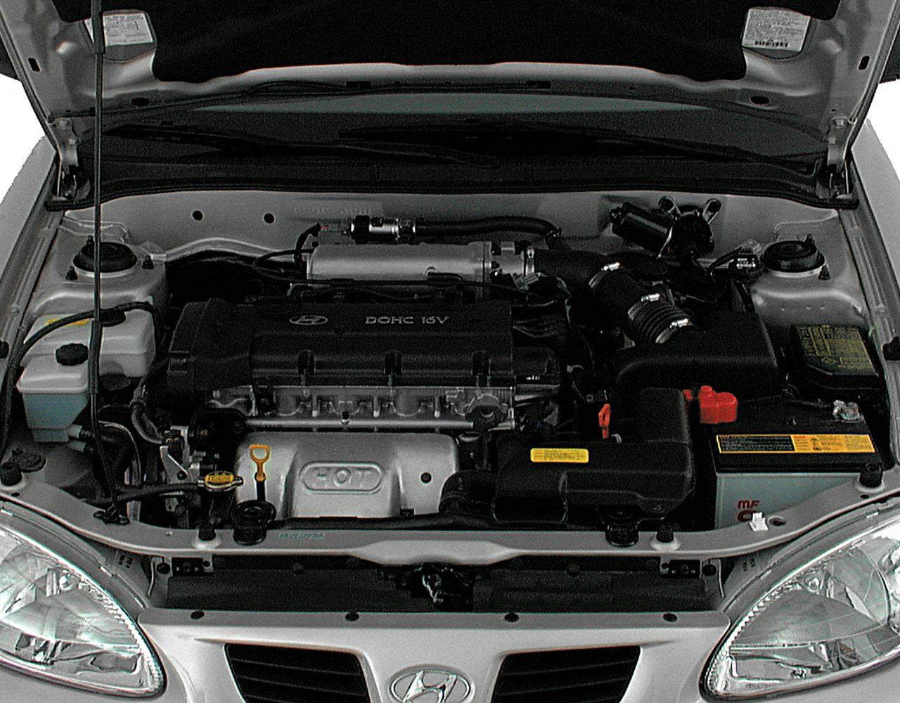 2000 Hyundai Elantra Pictures