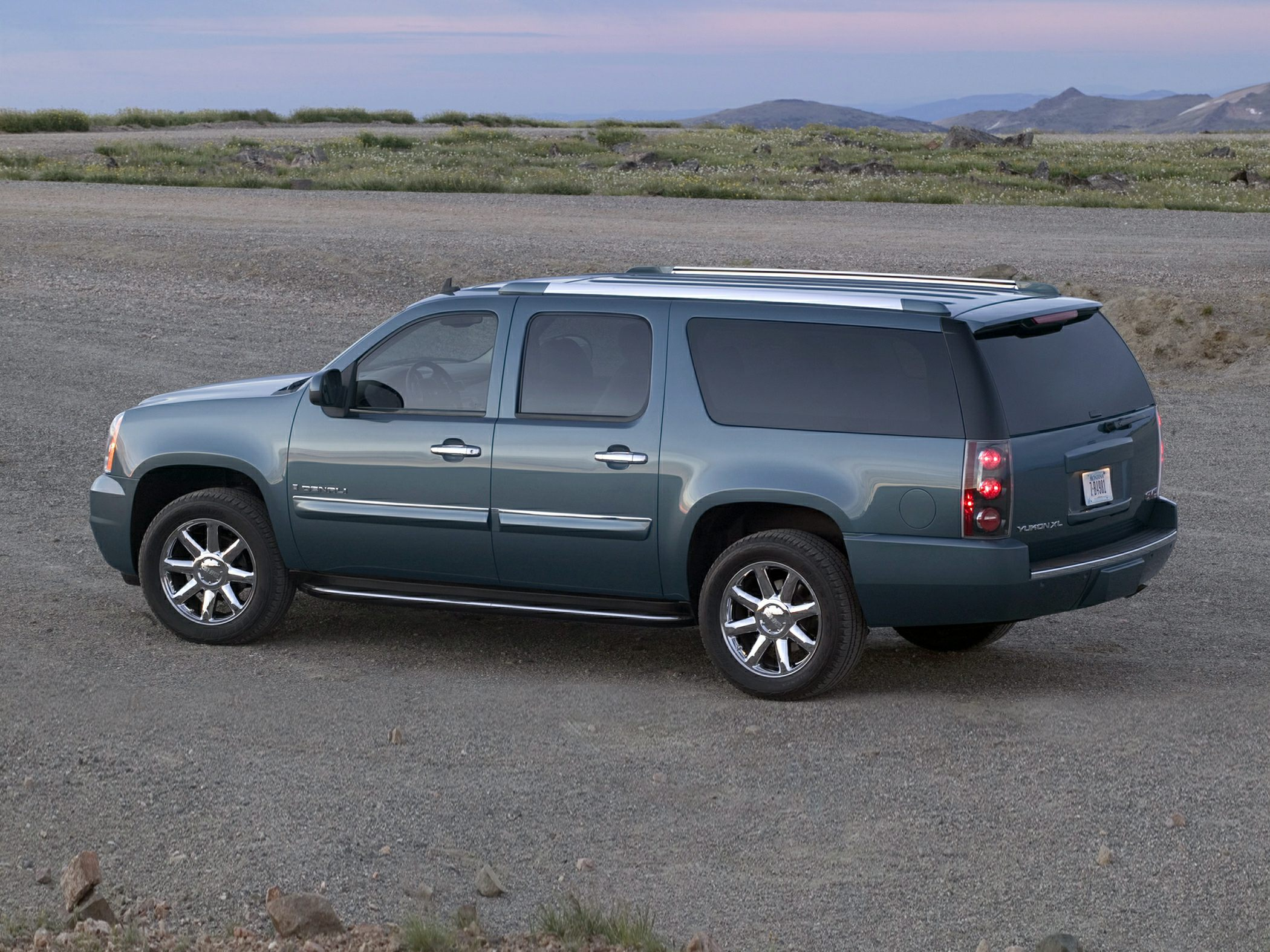 2012 Gmc Yukon Xl 1500 Denali All Wheel Drive Specs And Prices