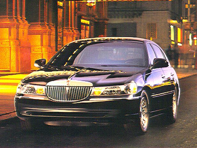 1999 Lincoln Town Car Information