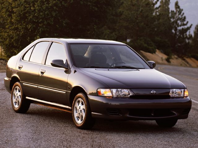 1999 Nissan Sentra Pictures