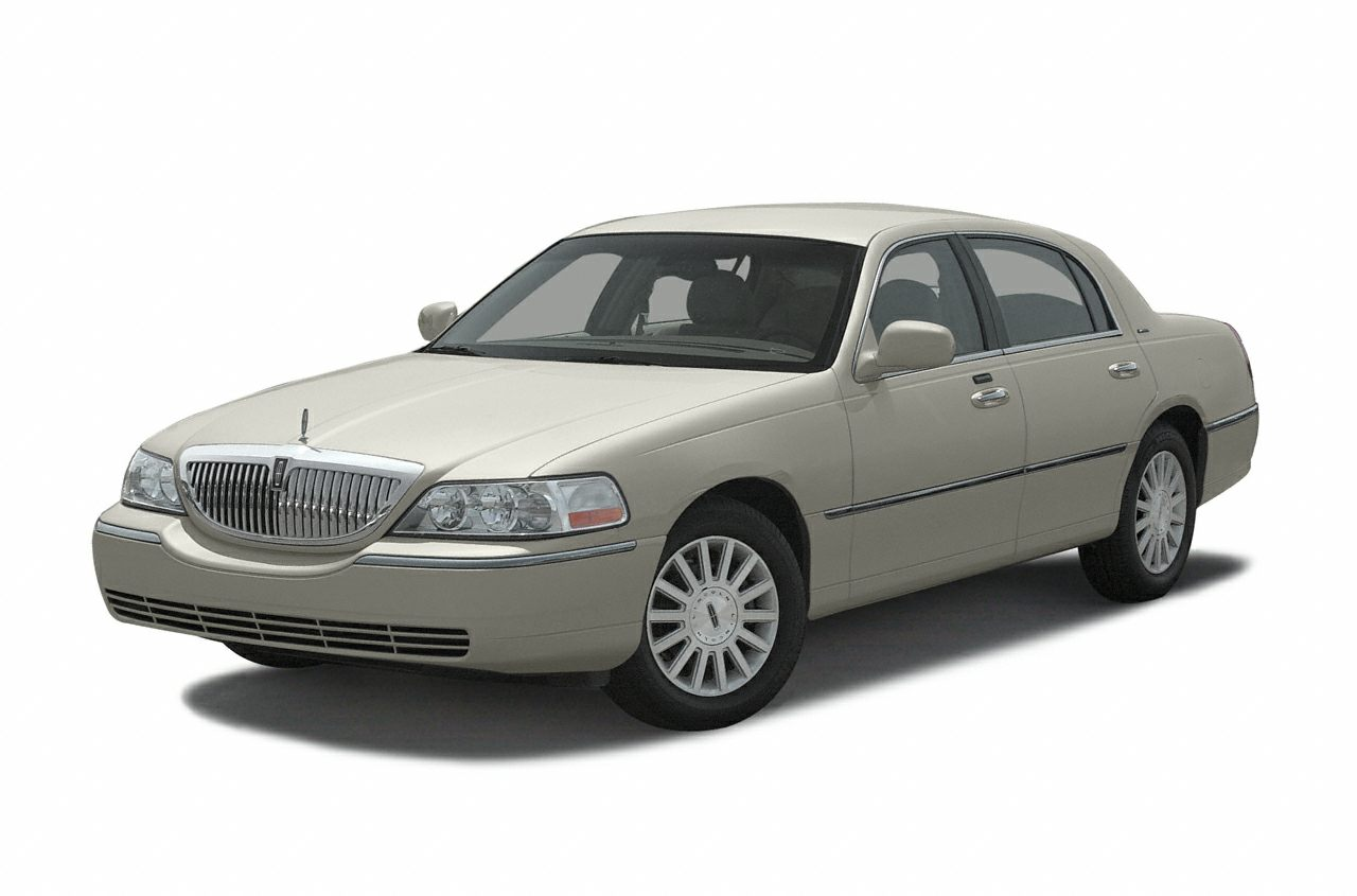 2003 Lincoln Town Car Pictures