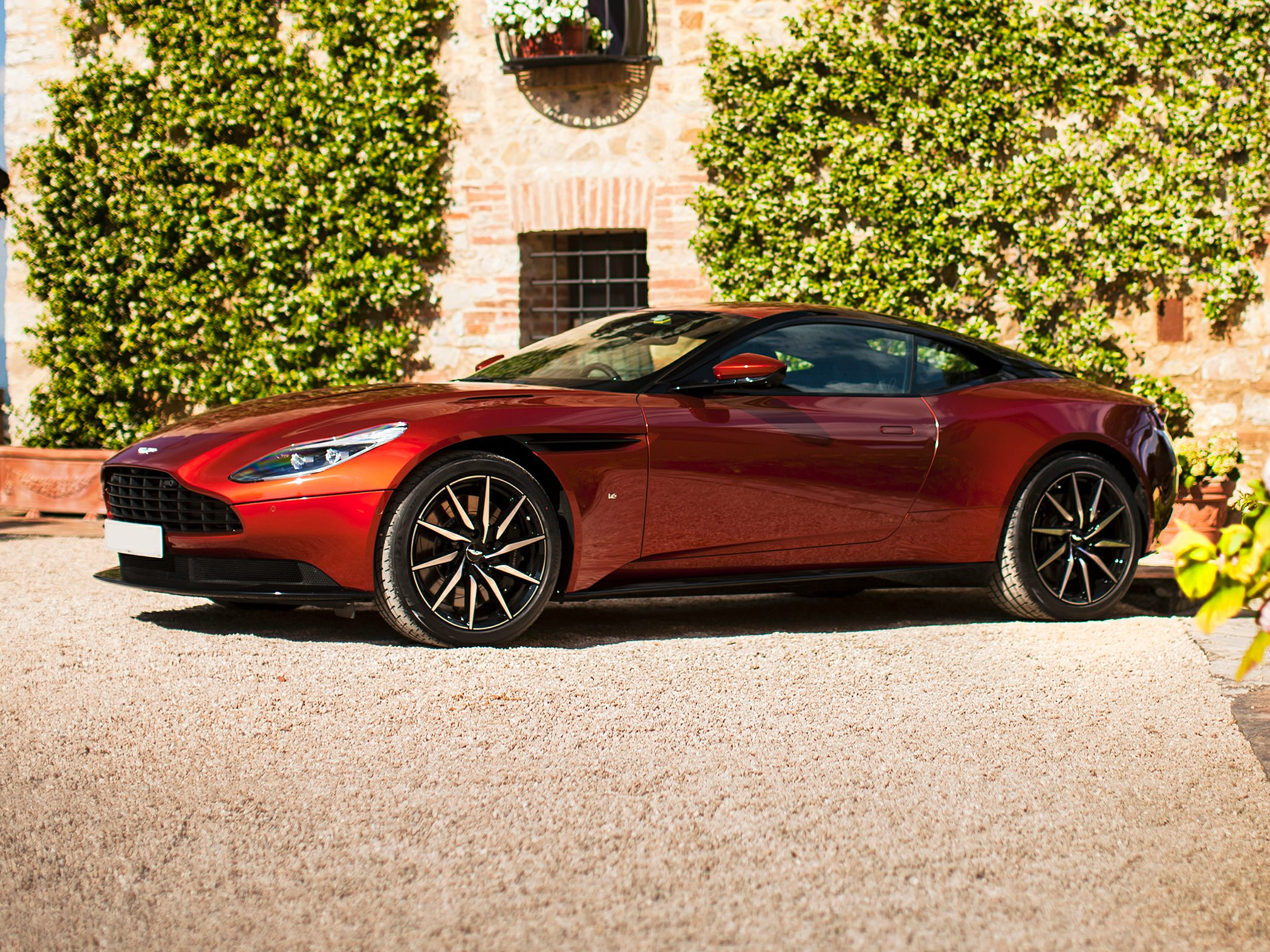 2019 Aston Martin DB11 Information