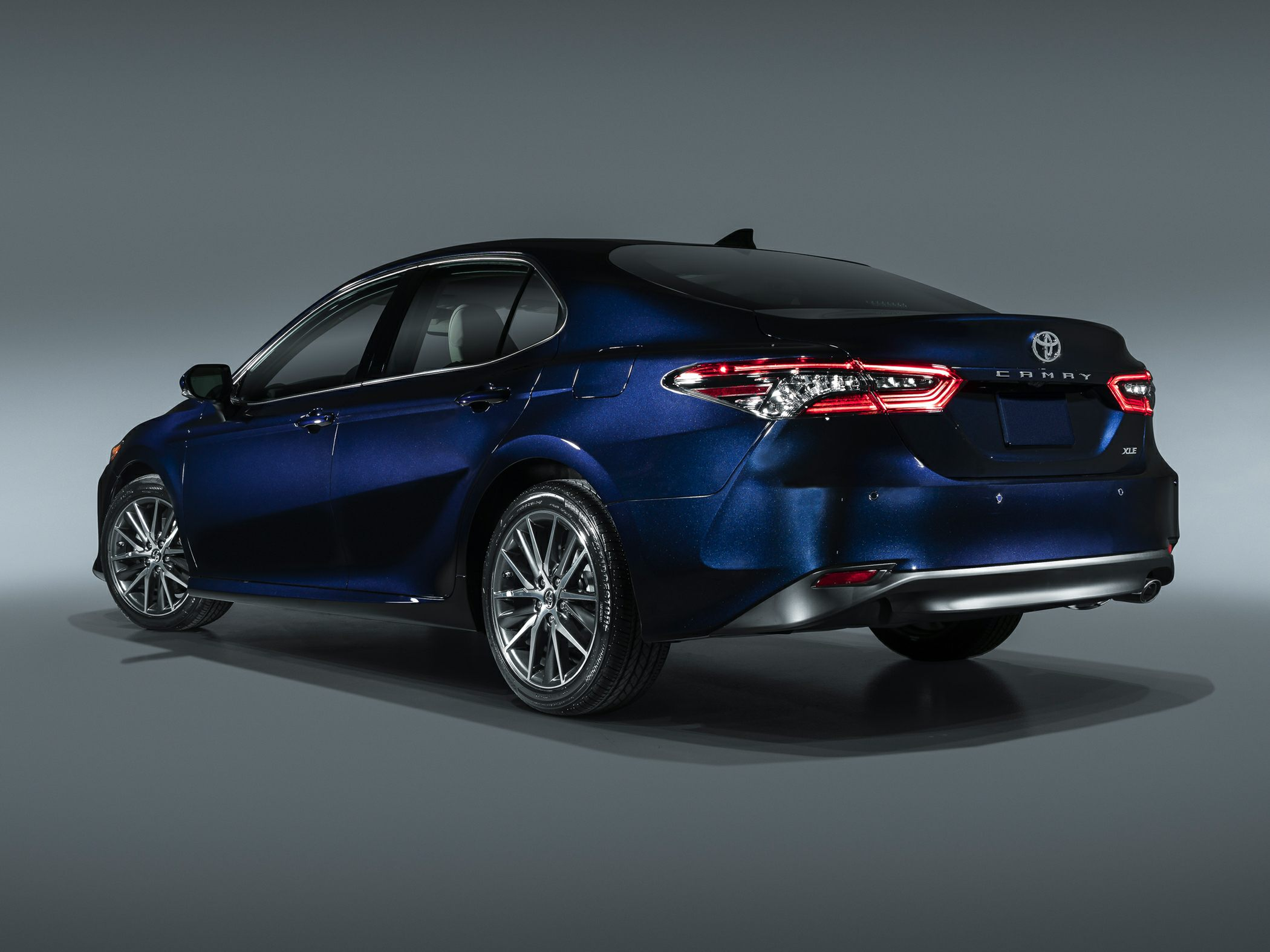 3 Toyota Camry LE 3dr All-wheel Drive Sedan Pictures