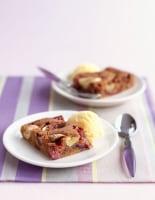 Sticky Fig & Banana Traybake