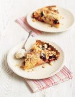 Blackberry & Apple Streusel Pie