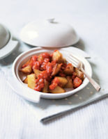 Potatoes with Spicy Tomato Sauce