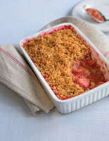 Rhubarb and Strawberry Oat Crumble