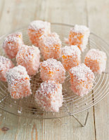 Quick Coconut Lamingtons