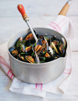 Spiced Mussels in a Coconut Broth