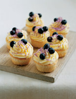Blueberry and Vanilla Iced Cupcakes