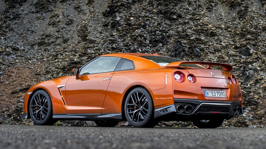 2017 Nissan GT-R rear 3/4 view