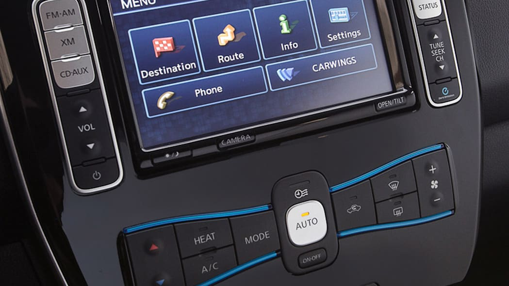 2013 Nissan Leaf dash