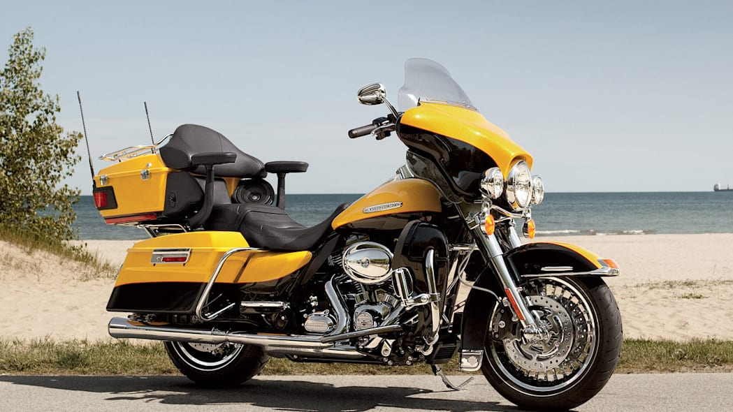 2013 Harley-Davidson Electra Glide Ultra (customized)