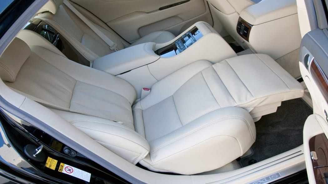 Reclining Rear Executive Seats -- Lexus LS 460 L, $16,400