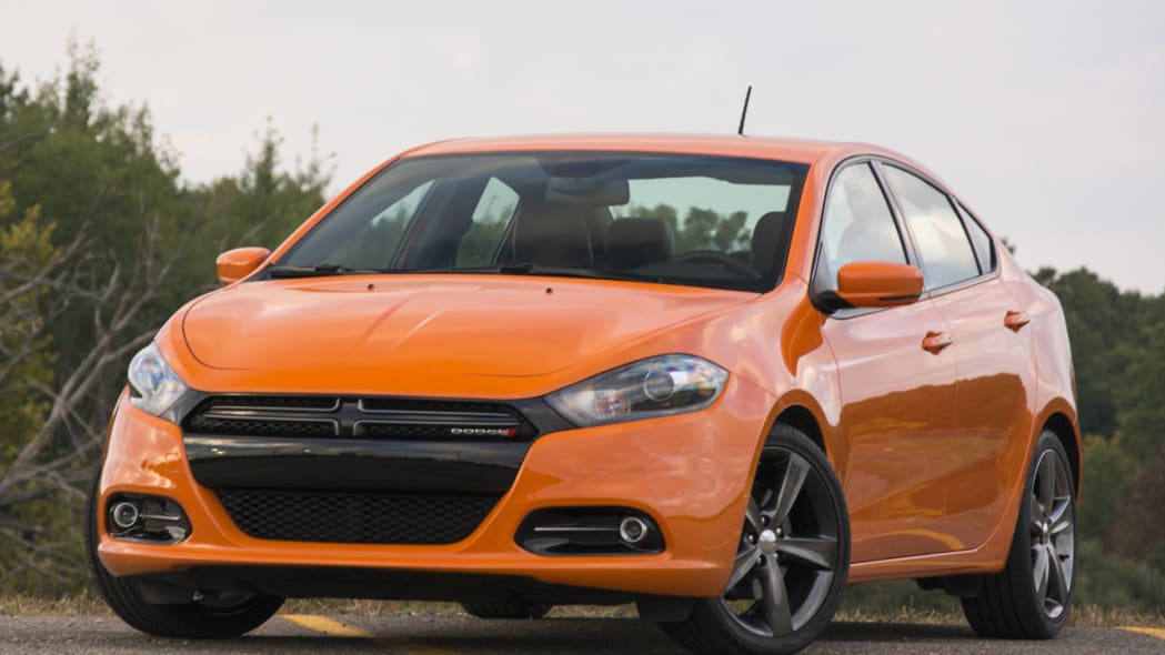 Fiat Chrysler recalls 320,000 Dodge Dart cars that could roll away