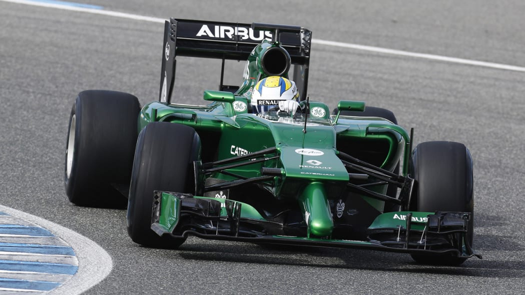 Caterham F1 debuts 2014 challenger with bizarre front end