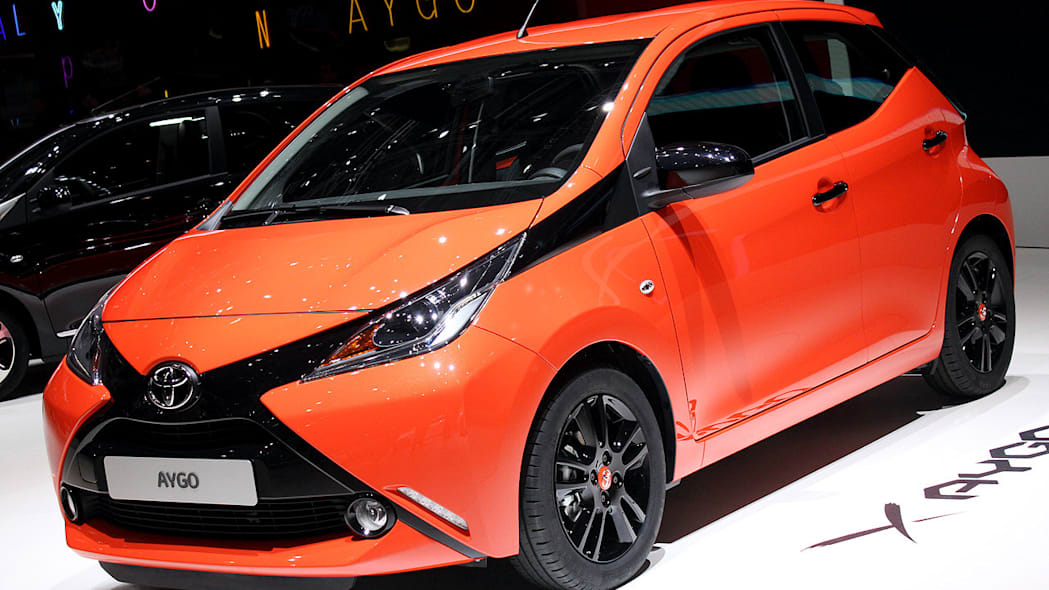 2014 toyota aygo marks the spot w video autoblog. Black Bedroom Furniture Sets. Home Design Ideas