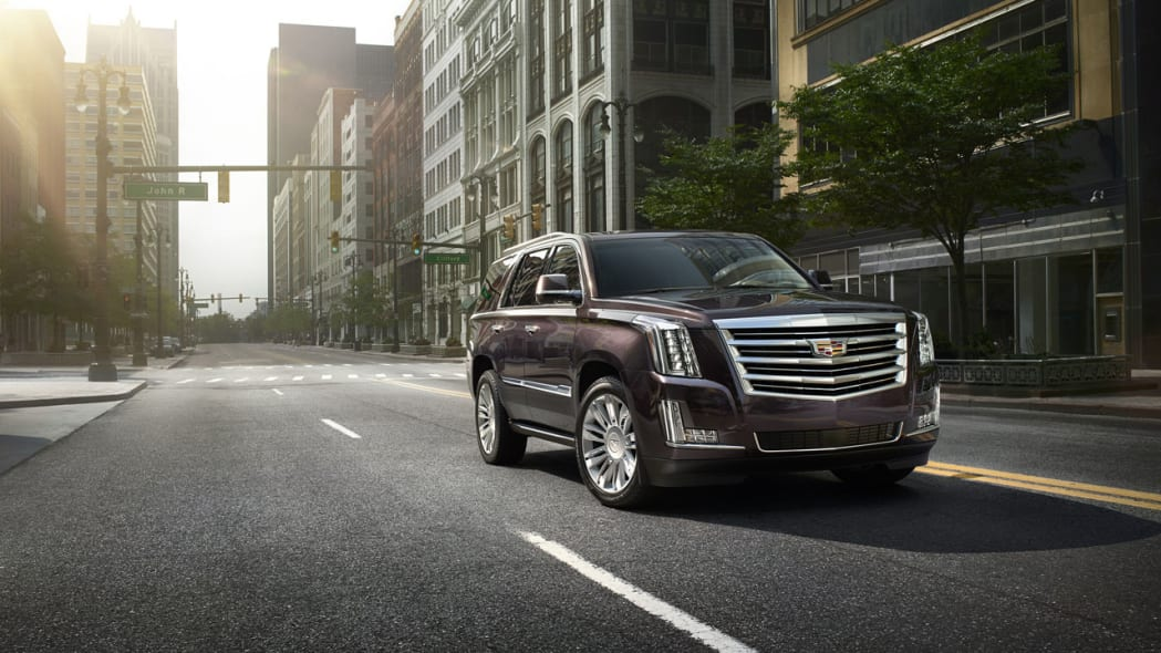 2015 Cadillac Escalade Gets 8 Speed Auto Range Topping