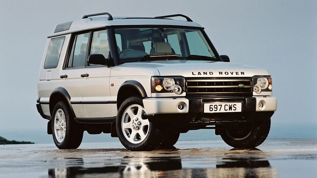 while land rover discovery