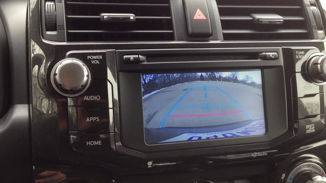 2015 Toyota 4Runner TRD Pro Backup Camera | Autoblog Short Cuts