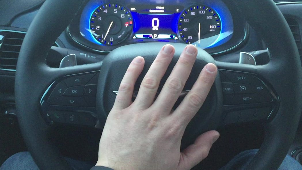 2015 Chrysler 200S Horn Honk | Autoblog Short Cuts