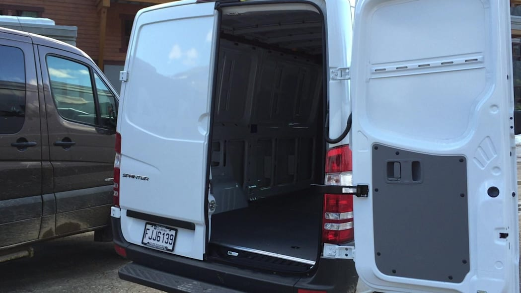 2015 Mercedes-Benz Sprinter 4x4 Rear Doors | Autoblog Short Cuts
