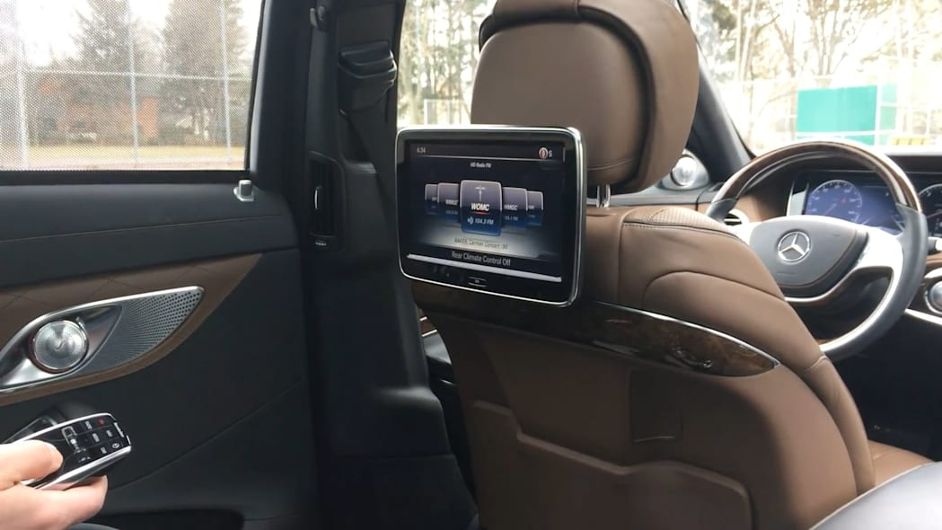 2016 Mercedes-Maybach S600 Rear-Passenger Info Screen | Autoblog Short Cuts