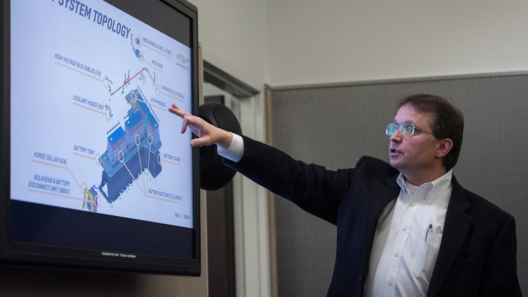 General Motors Global Battery Systems Engineering Director Bill Wallace gives presentation.
