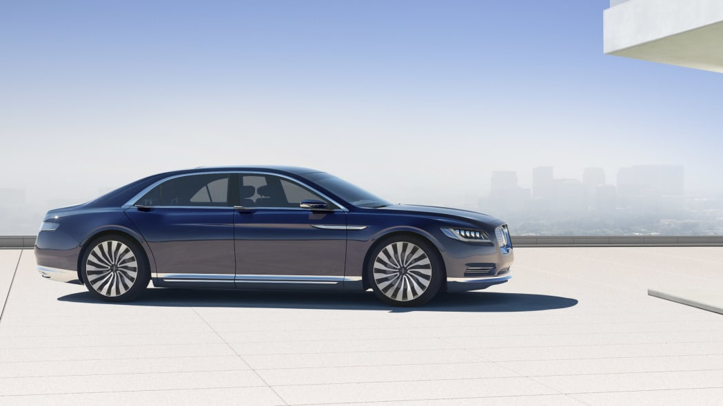 Lincoln Continental Concept promo photo side view