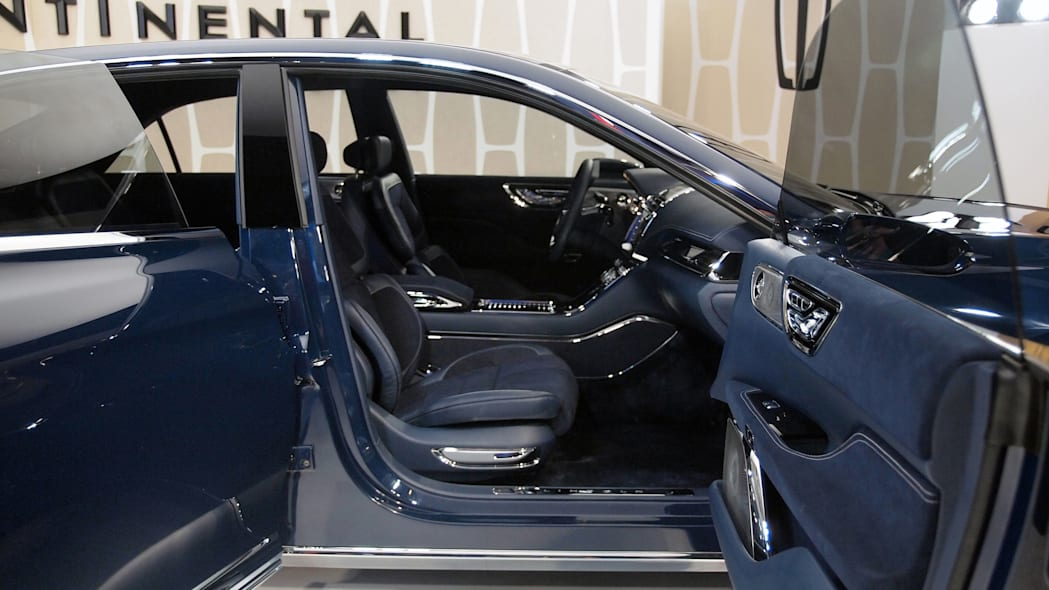 Lincoln Continental Concept front seats interior