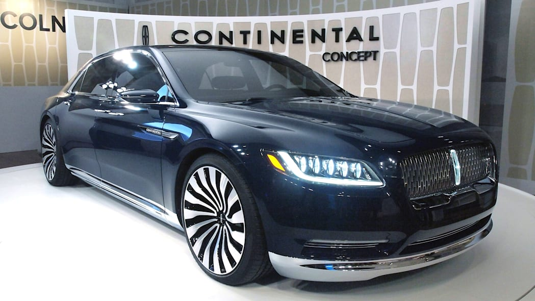 Lincoln Continental Concept front three-quarter