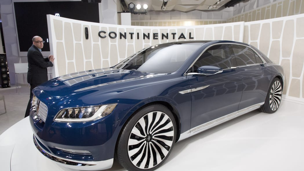 Lincoln Continental Concept front three quarters view