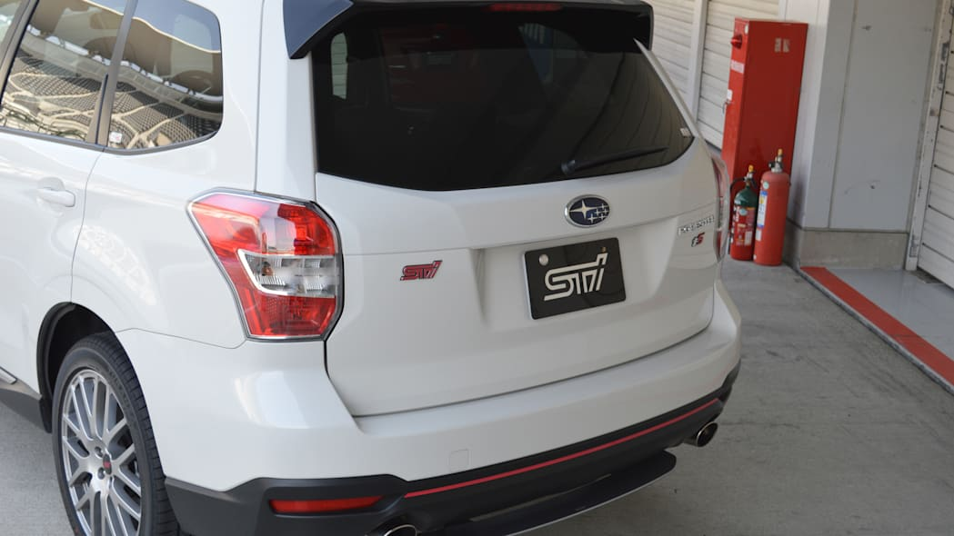 2016 Subaru Forester tS white rear view
