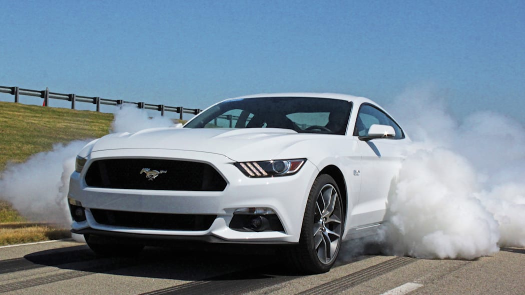 2015 Ford Mustang burnout