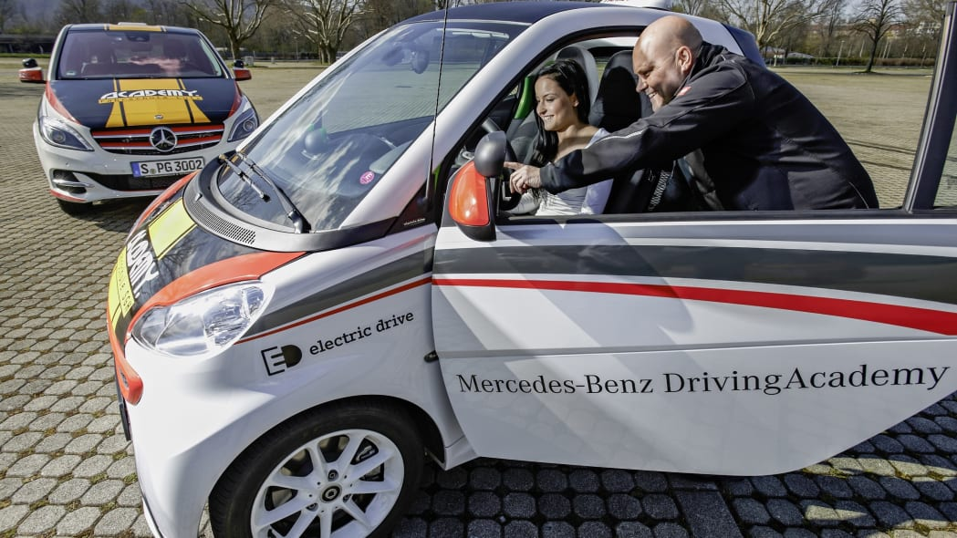 Smart fortwo electric drive driving academy