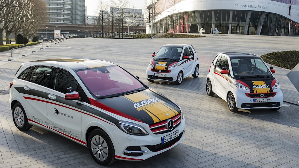 Mercedes-Benz B-Class Electric Drive and smart fortwo electric drive driving school. top view