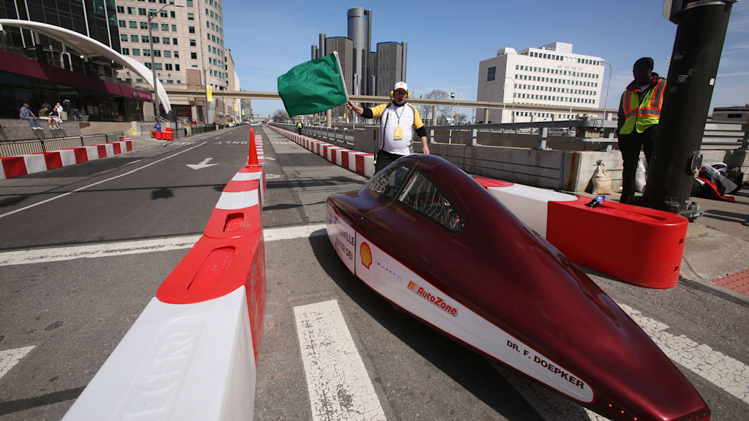 Mater Dei UrbanConcept on track at 2015 Shell Eco-Marathon