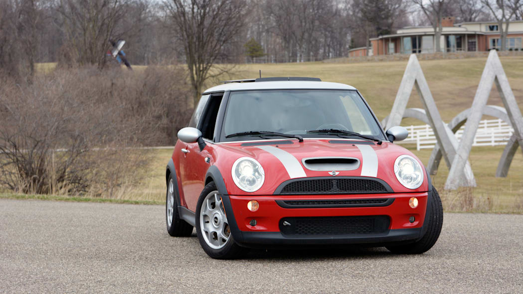 2006 Mini Cooper S in red with silver roof