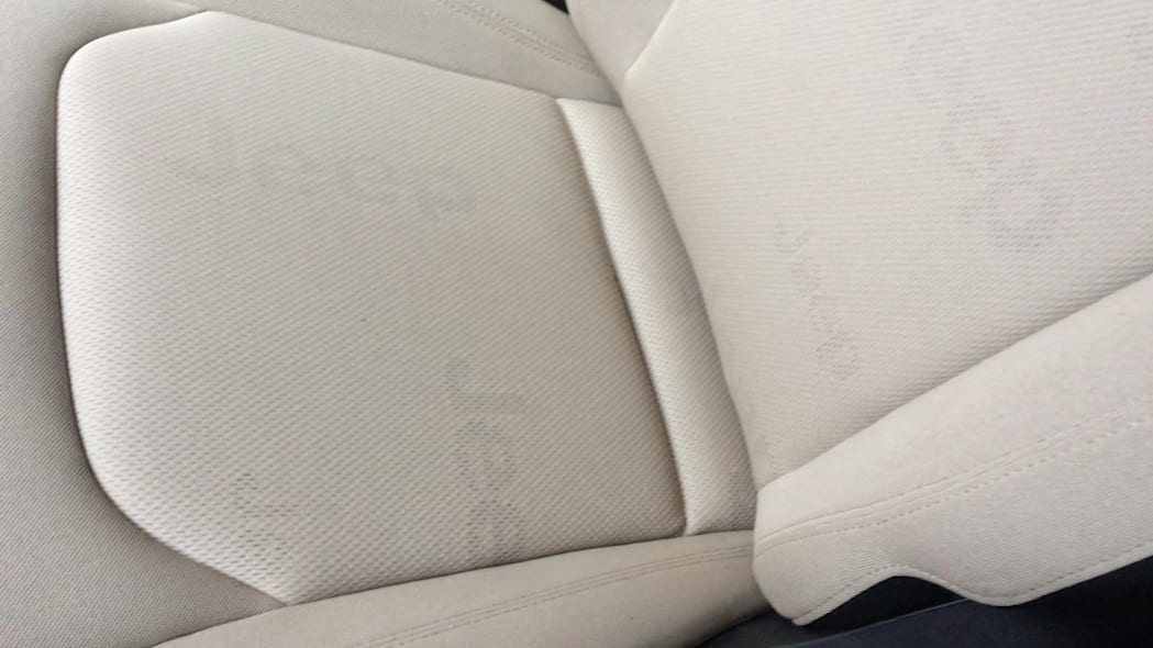 2015 Jeep Renegade Cloth Seats With Jeep Logo | Autoblog Short Cuts