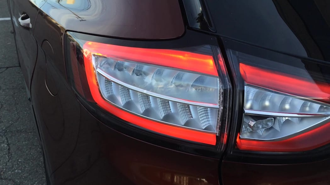 2015 Ford Edge Taillamps | Autoblog Short Cuts