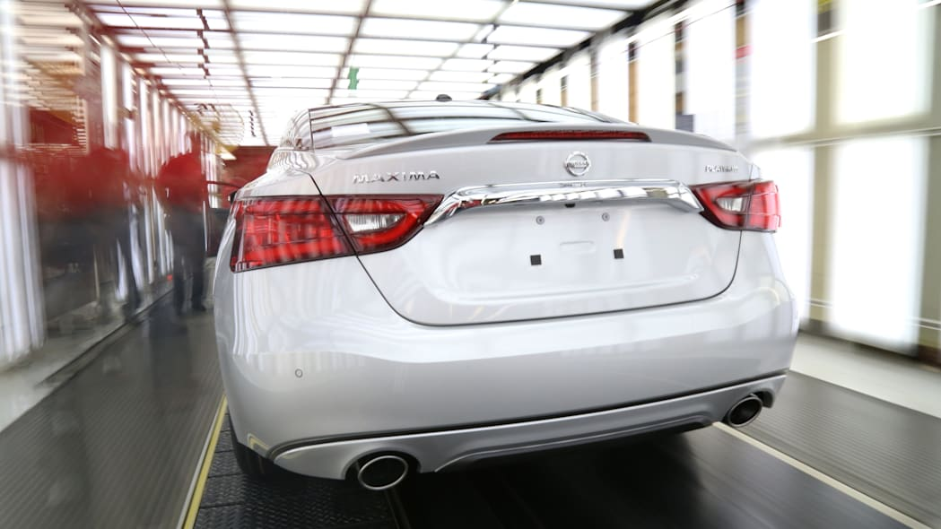 silver 2016 nissan maxima assembly