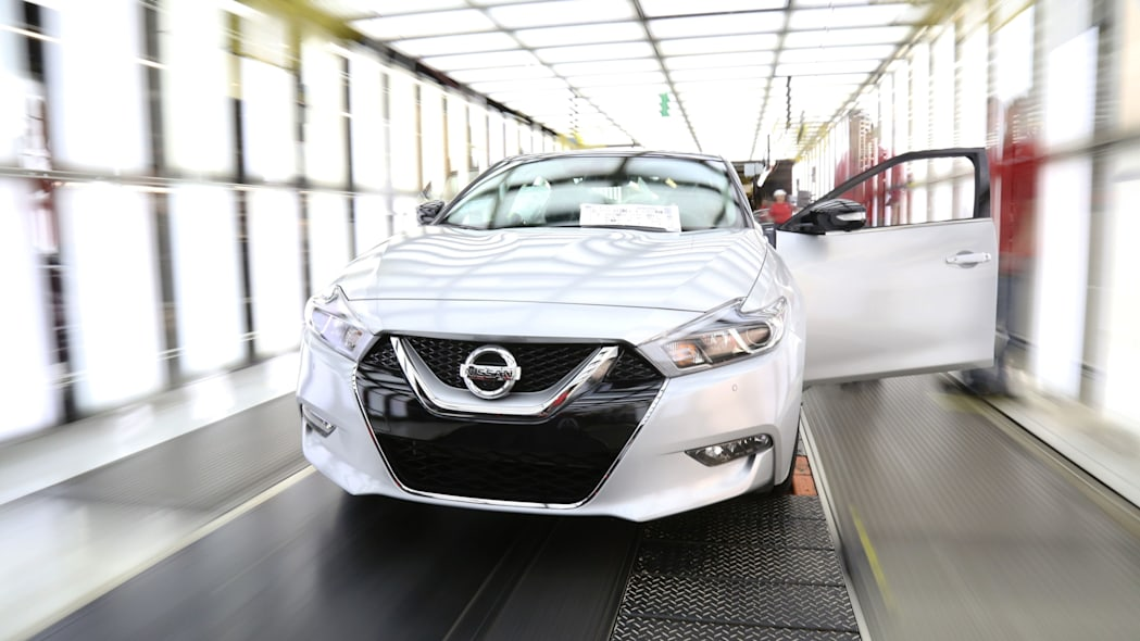 silver 2016 nissan maxima production front
