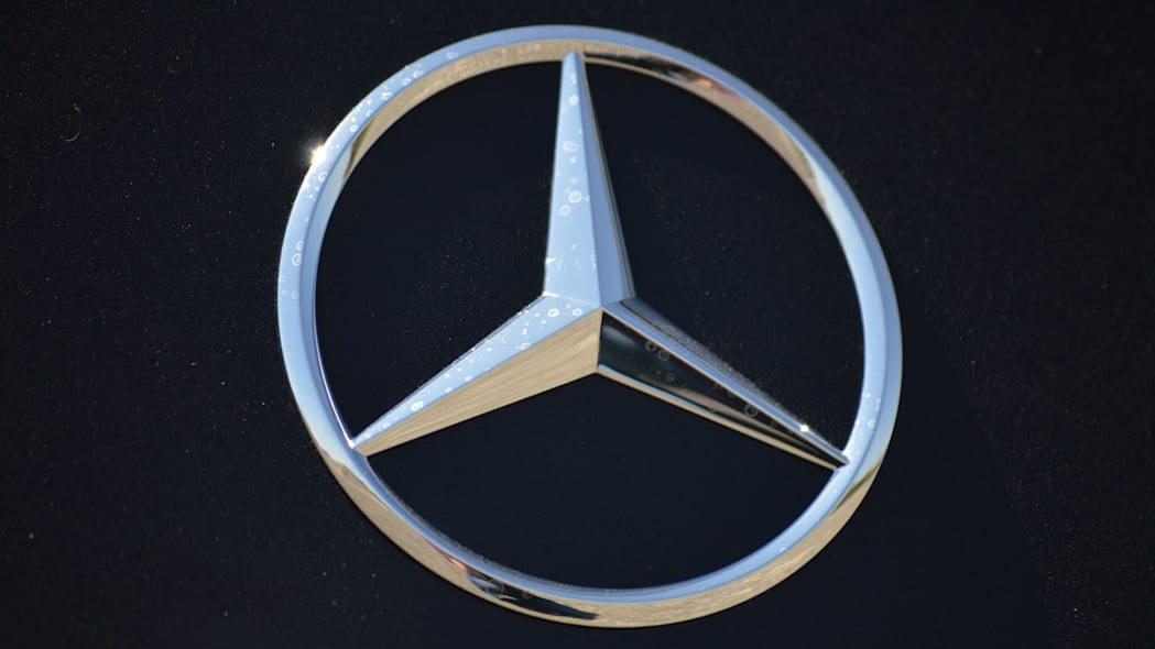 2015 mercedes-benz cls400 three-pointed star badge