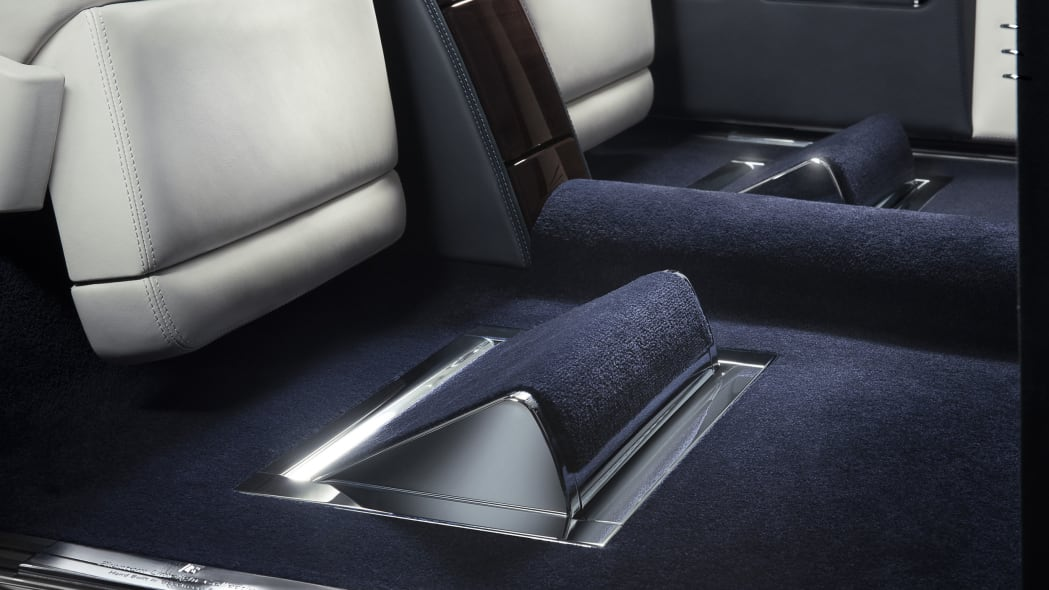 rolls royce phantom limelight collection footrest extended